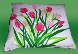 """Cuscino con applicazioni in pannolenci """"Tulipani"""""""