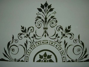 Particolare della testata letto dipinta a mano